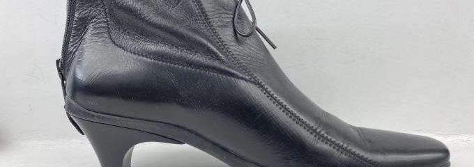 プラダ(PRADA)経年劣化靴底修理